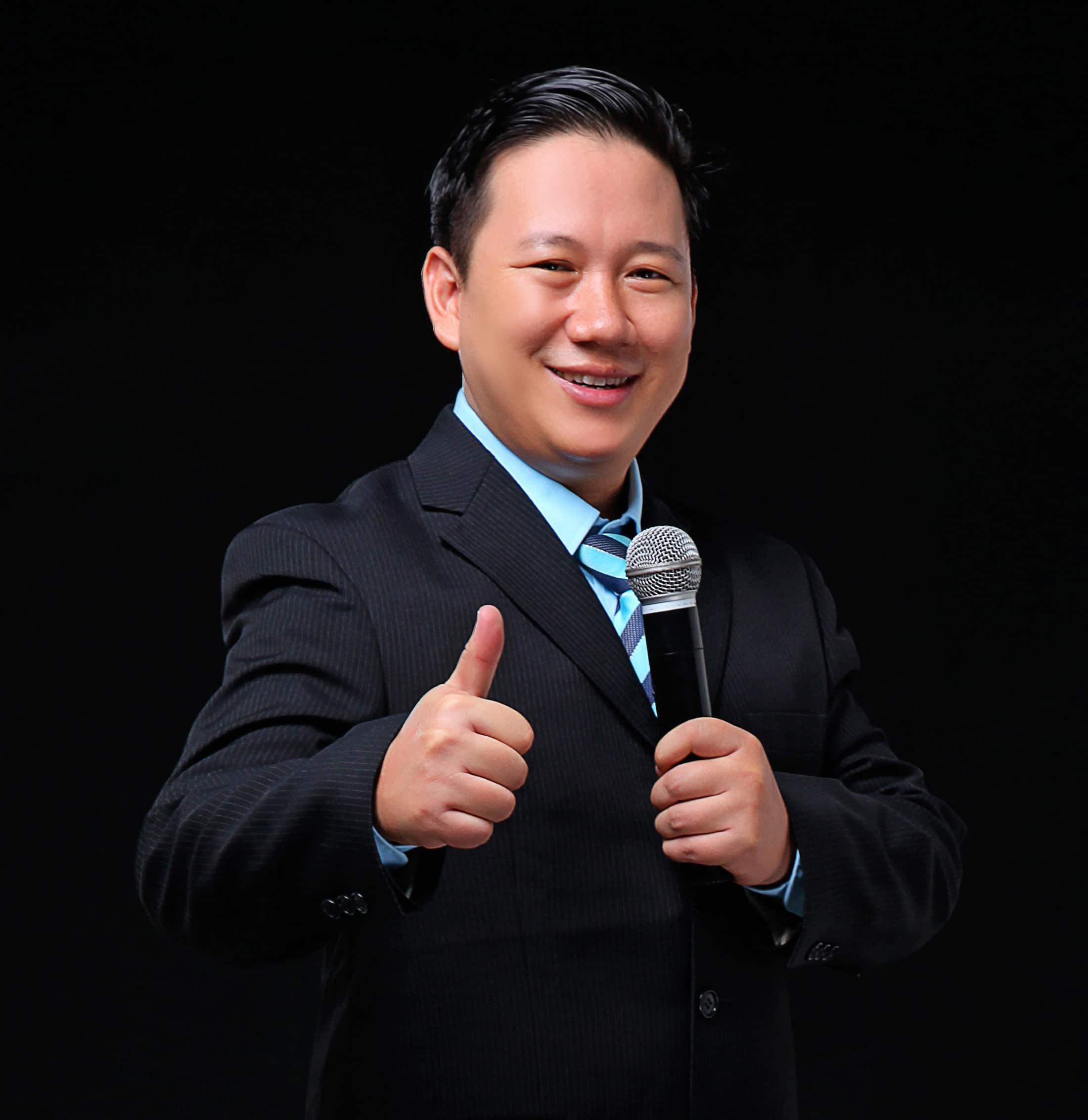 Johnny Kyaw Moe